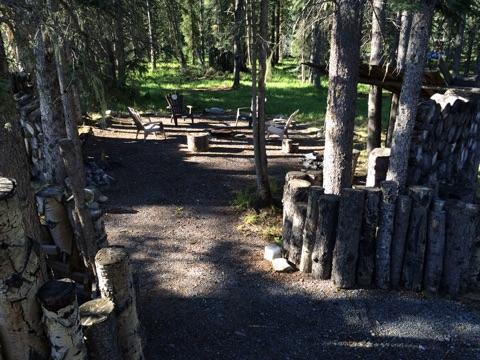 Kutenai firepit - Expanse Cottages Nordegg AB